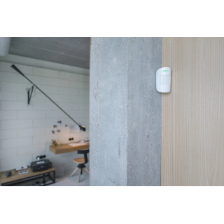 Bezdrôtový PIR detektor pohybu Ajax MotionProtect White