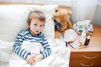 Bezkontaktný infračervený teplomer na meranie teploty deťom.